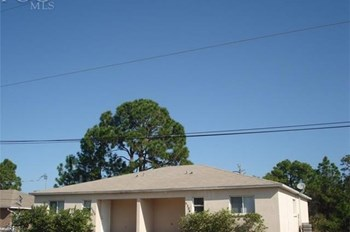 5304 SW 29th St 3 Beds House for Rent Photo Gallery 1