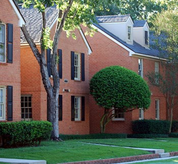 7975 N. Jefferson Place Circle 2-3 Beds Apartment for Rent Photo Gallery 1