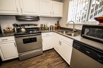 4835 SW Oleson Rd Studio-3 Beds Apartment for Rent Photo Gallery 1