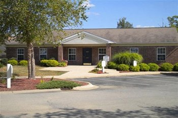 2375 Shaker Lane 1-3 Beds Apartment for Rent Photo Gallery 1