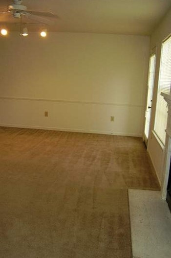1200 N Perkins 1-2 Beds Apartment for Rent Photo Gallery 1