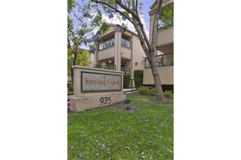 935 S. Gilbert St. 1-2 Beds Apartment for Rent Photo Gallery 1