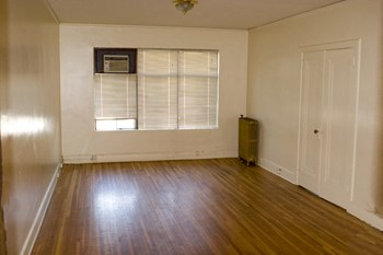 127 West Lake Street Studio-1 Bed Apartment for Rent Photo Gallery 1