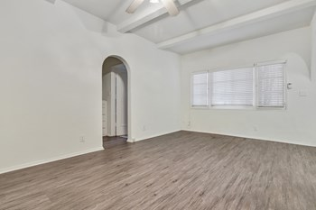 232 South Reeves Drive Studio-2 Beds Apartment for Rent Photo Gallery 1