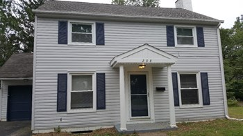 208 S James Rd 3 Beds House for Rent Photo Gallery 1