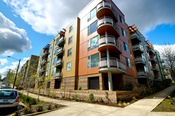 8833 Southwest 30th Avenue 1-2 Beds Apartment for Rent Photo Gallery 1