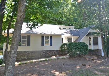4747 Carmichael Chase Ne 3 Beds House for Rent Photo Gallery 1