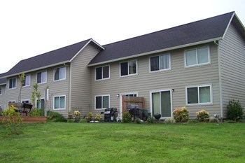 2530 Northeast 31st Street 1-3 Beds Apartment for Rent Photo Gallery 1