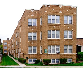 532 S DesPlaines Ave. Studio-1 Bed Apartment for Rent Photo Gallery 1