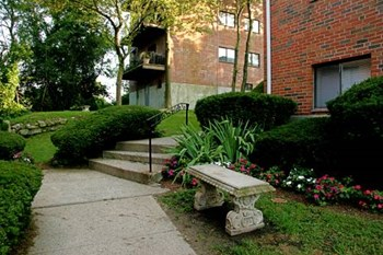 400 Langley Road 1-2 Beds Apartment for Rent Photo Gallery 1