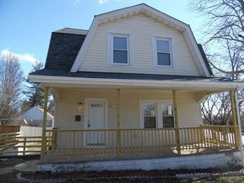 4705 Grindon Ave 3 Beds House for Rent Photo Gallery 1