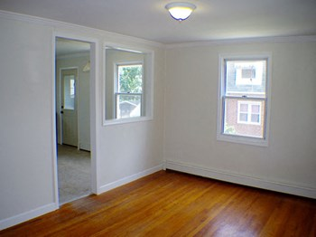5401 Todd Avenue 4 Beds House for Rent Photo Gallery 1