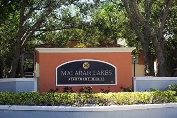 1018 Malabar Lakes Drive NE 1-2 Beds Apartment for Rent Photo Gallery 1