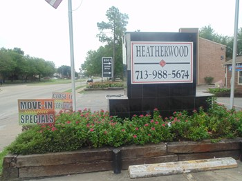 9001 S Braeswood 1-2 Beds Apartment for Rent Photo Gallery 1