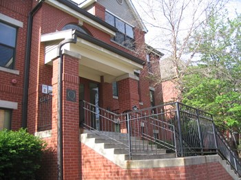 935 Washington St., Apt. 101 1-2 Beds Apartment for Rent Photo Gallery 1