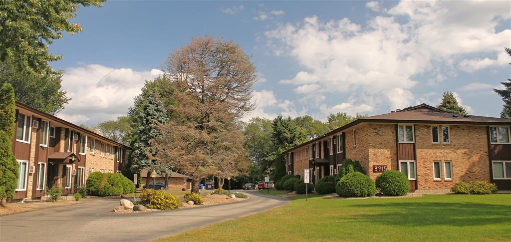 Attractive Cedar Manor Apartments