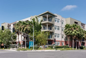 2300 Dupont Dr Studio-3 Beds Apartment for Rent Photo Gallery 1