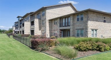 851 Greenside Drive 1-3 Beds Apartment for Rent Photo Gallery 1