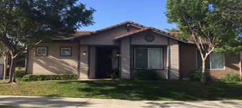 320 W. SHOSHONE ST. 3 Beds Apartment for Rent Photo Gallery 1