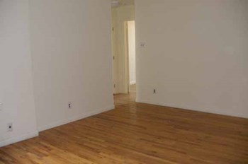 660-666 Southern Boulevard Studio-3 Beds Apartment for Rent Photo Gallery 1