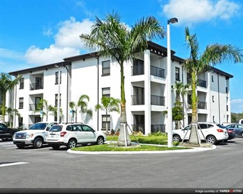 15270 Ballast Point Dr. 1-3 Beds Apartment for Rent Photo Gallery 1