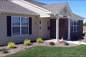 4975 Lake Towne Dr 2 Beds Apartment for Rent Photo Gallery 1