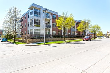 1818 North Commerce Street 1-2 Beds Apartment for Rent Photo Gallery 1