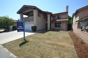 19746 Lull Street 4 Beds House for Rent Photo Gallery 1