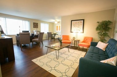 23511 Chagrin Blvd 1-5 Beds Apartment for Rent Photo Gallery 1