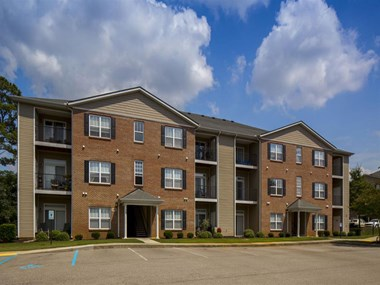 300 Caughman Farm Lane 1-3 Beds Apartment for Rent Photo Gallery 1
