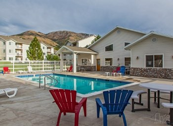 460 West Westland Dr 2-3 Beds Apartment for Rent Photo Gallery 1