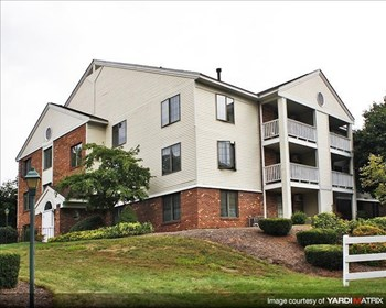 60 VILLAGE CIRCLE WAY MANCHESTER Studio-2 Beds Apartment for Rent Photo Gallery 1