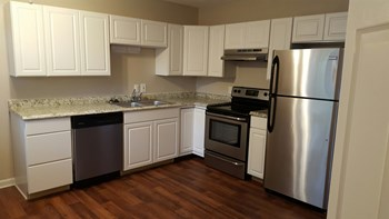 324 Walton Ferry Road 2 Beds Apartment for Rent Photo Gallery 1