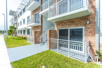 25011 SW 130th Avenue 1-3 Beds Apartment for Rent Photo Gallery 1