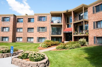 371 Old Highway 8 SW 1-3 Beds Apartment for Rent Photo Gallery 1