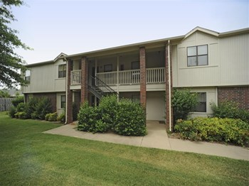 4311 Valley Lake Drive 1-2 Beds Apartment for Rent Photo Gallery 1