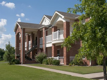1802 SW 34th Ave 1-2 Beds Apartment for Rent Photo Gallery 1
