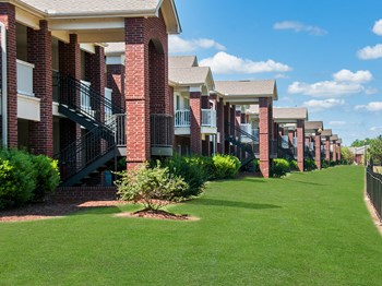 1800 Links Blvd., #7501 1-2 Beds Apartment for Rent Photo Gallery 1
