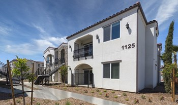 1137 N. Woodland Street 1-3 Beds Apartment for Rent Photo Gallery 1