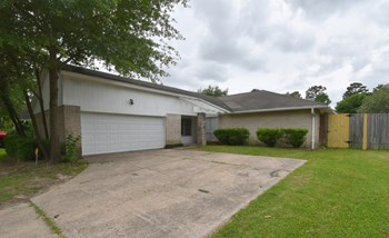22219 Oakhill Gate Drive 3 Beds House for Rent Photo Gallery 1