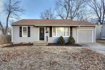 3205 S. Vermont Avenue 3 Beds House for Rent Photo Gallery 1