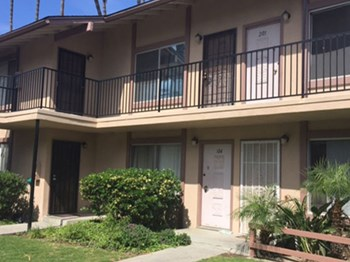 1925 N. Ginger Ave. #105 1 Bed Apartment for Rent Photo Gallery 1