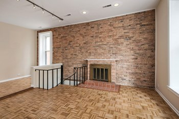 159 W Goethe St Studio-3 Beds Apartment for Rent Photo Gallery 1