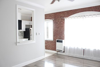 238 S. Mariposa Avenue, 1 Bed Apartment for Rent Photo Gallery 1