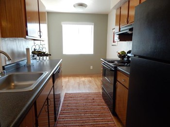 9900 Spain Rd NE 1-2 Beds Apartment for Rent Photo Gallery 1
