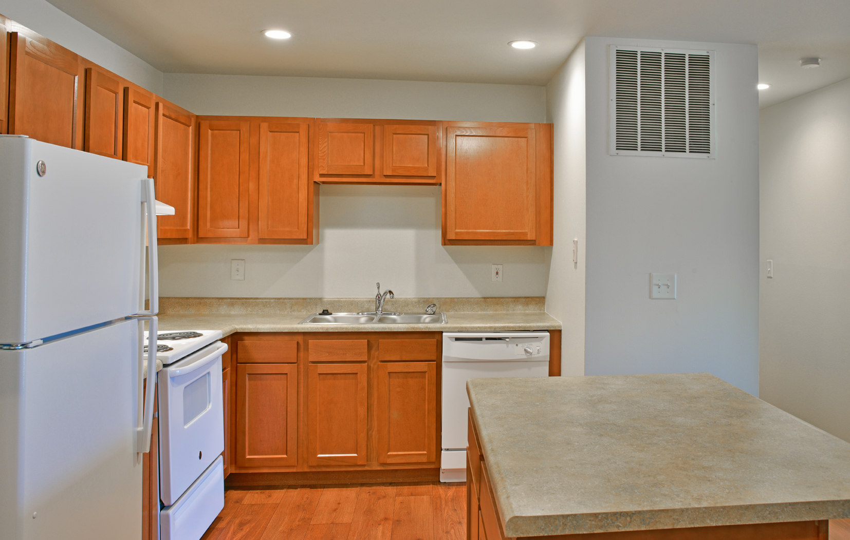 Regal Style Kitchen - Grand Bend Club Apartments