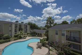 8630 Easton Commons Drive 1-2 Beds Apartment for Rent Photo Gallery 1