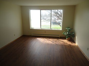 560 S. Transit Street 1-2 Beds Apartment for Rent Photo Gallery 1