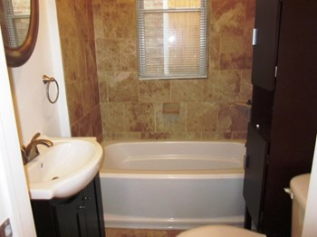 6216 S. Indiana 2-3 Beds Apartment for Rent Photo Gallery 1