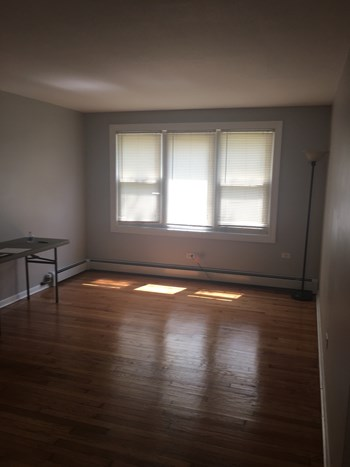9147-55 S. Pulaski Rd. 1-2 Beds Apartment for Rent Photo Gallery 1